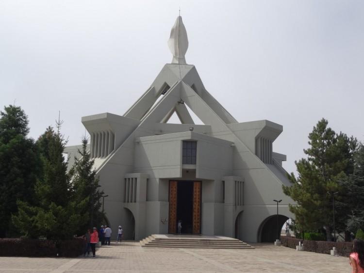 Храм Девы Марии в Эдене, Ливан
