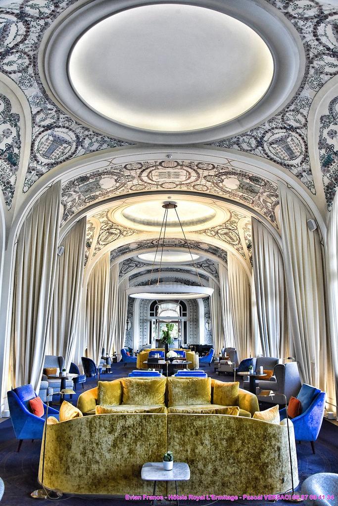 Роспись потолка в отеле Эрмитаж в Эвьян-ле-Бен — фото 3