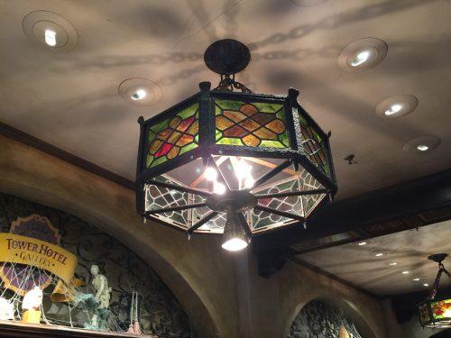Витражная лампа в Tower of Terror