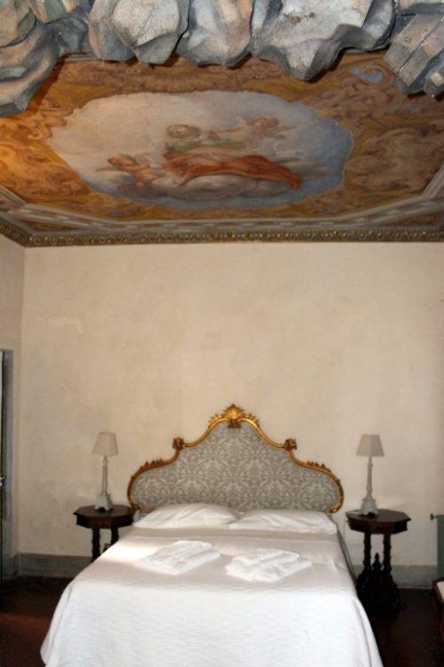 Интерьеры замка Монтегуфони