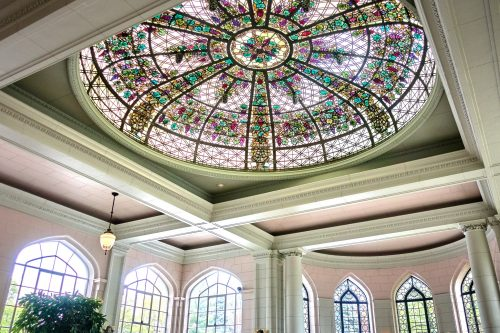 Витражный потолок-купол в Каса Лома