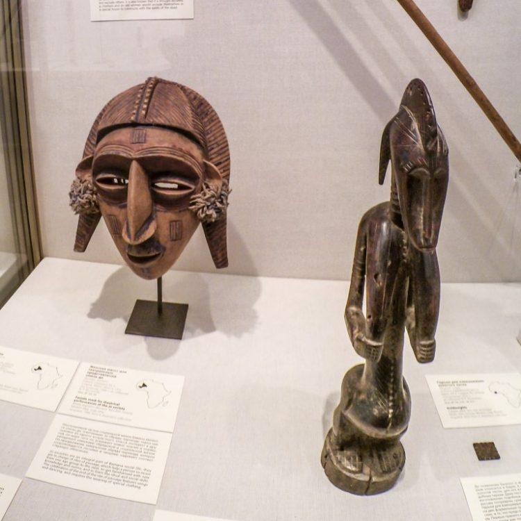 Африканская статуэтка