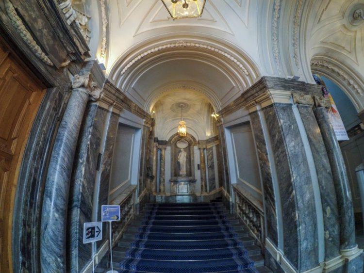 Мраморный дворец - Парадная лестница