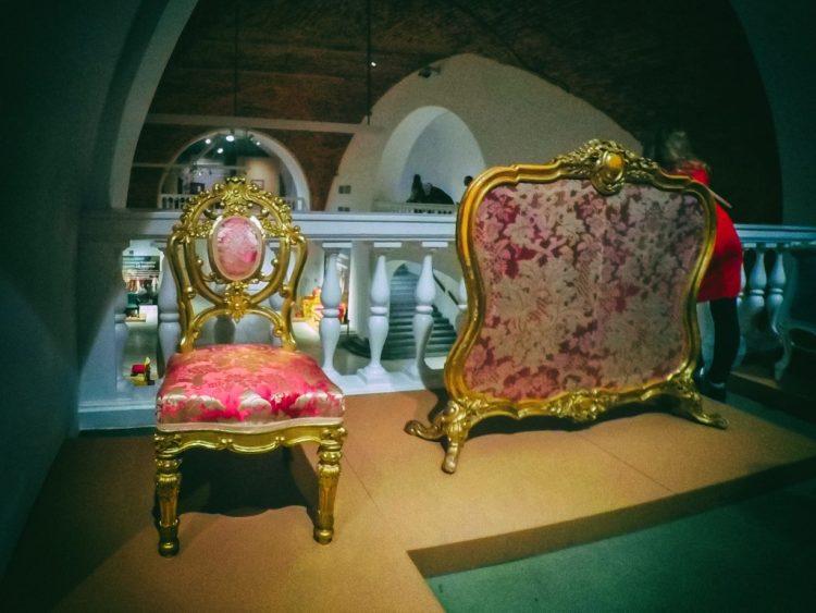 YDXJ8785-Мебель XIX века -  эпоха историзма