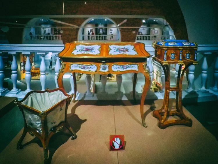 YDXJ8788-Мебель XIX века -  эпоха историзма