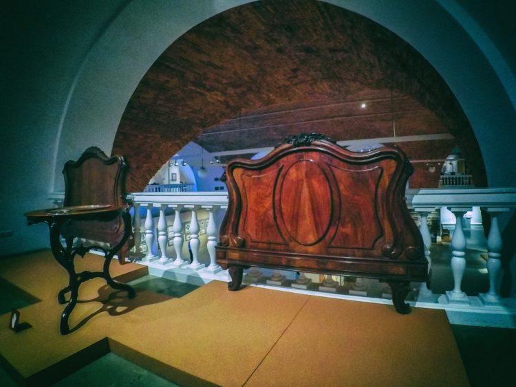 YDXJ8796-Мебель XIX века -  эпоха историзма