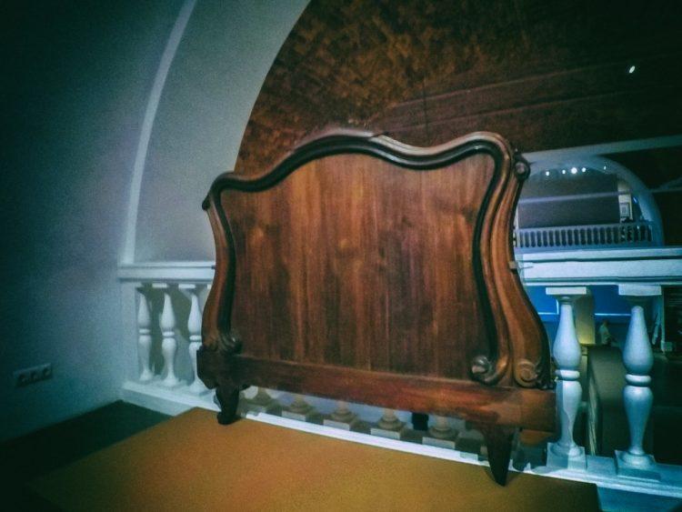 YDXJ8801-Мебель XIX века -  эпоха историзма