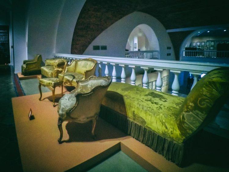 YDXJ8803-Мебель XIX века -  эпоха историзма