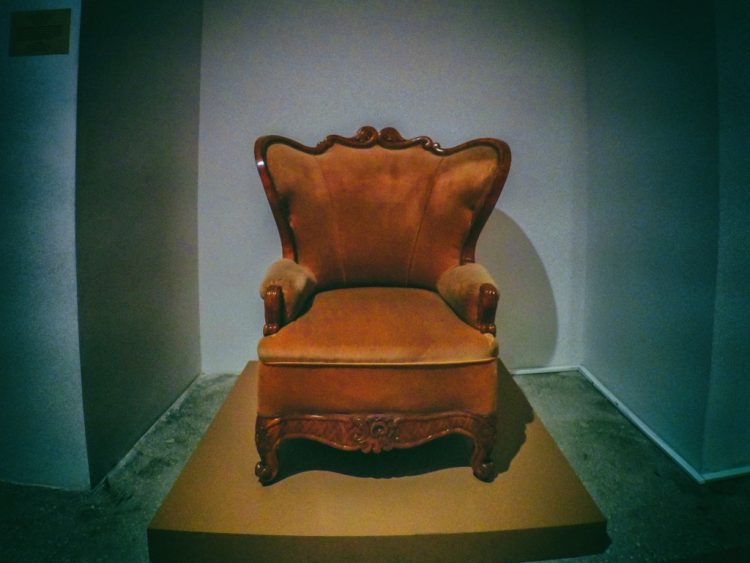 YDXJ8811-Мебель XIX века -  эпоха историзма