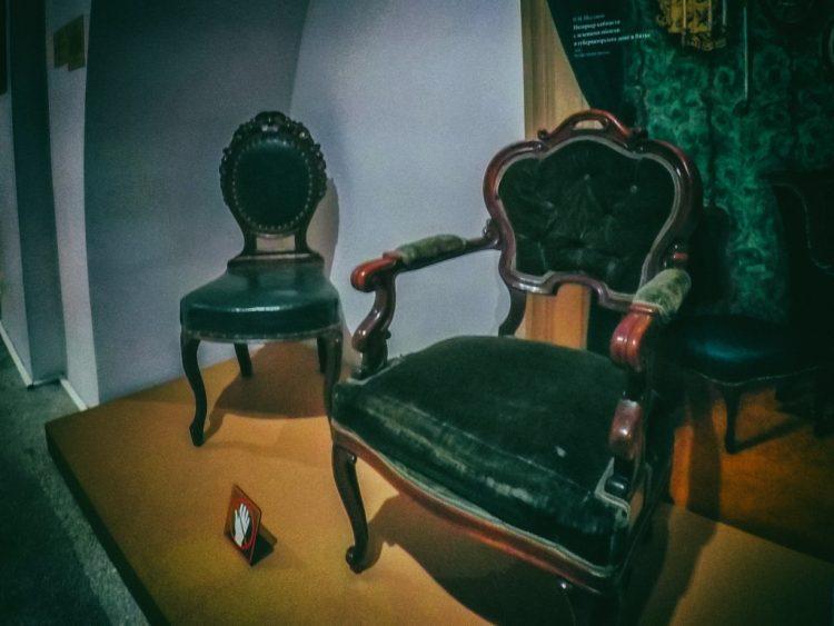 YDXJ8817-Мебель XIX века -  эпоха историзма