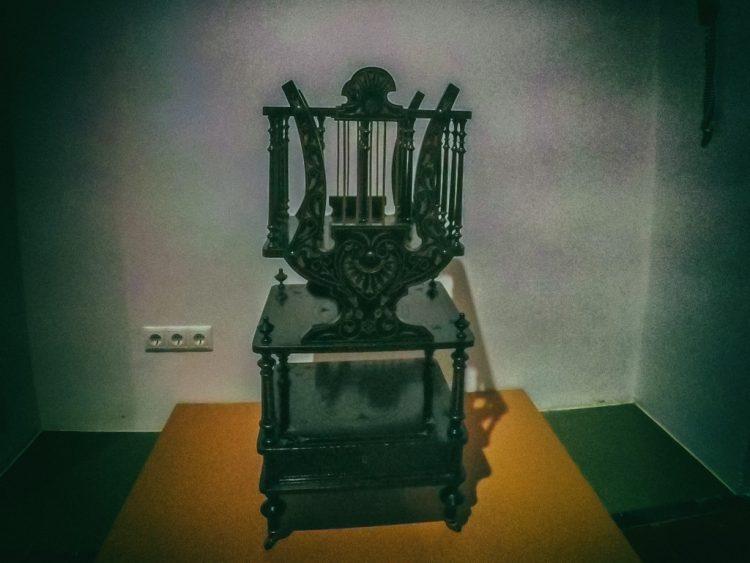 YDXJ8823-Мебель XIX века -  эпоха историзма