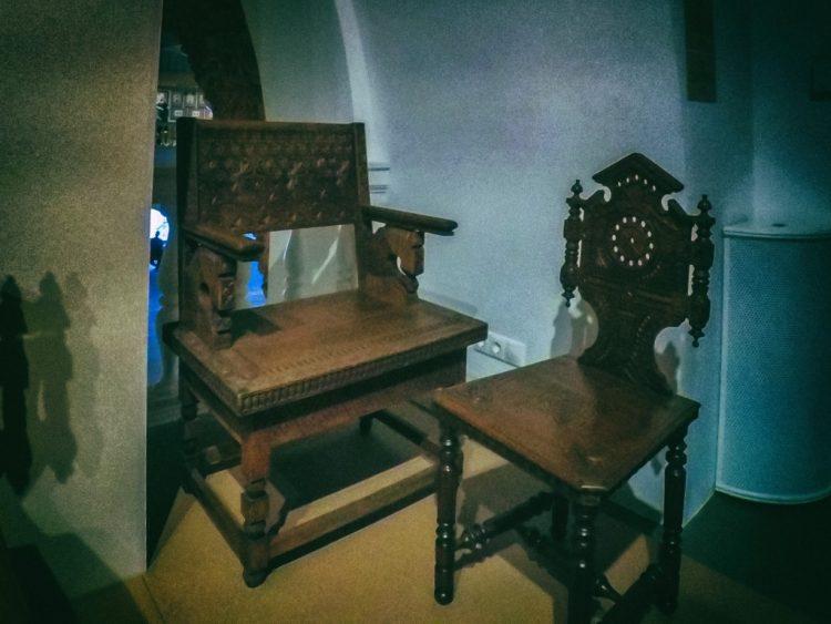 YDXJ8827-Мебель XIX века -  эпоха историзма