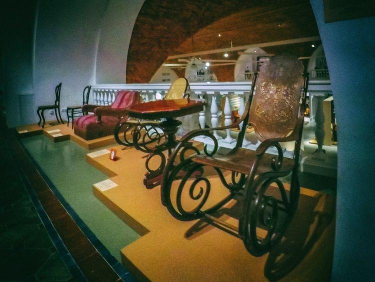 YDXJ8830-Мебель XIX века -  эпоха историзма