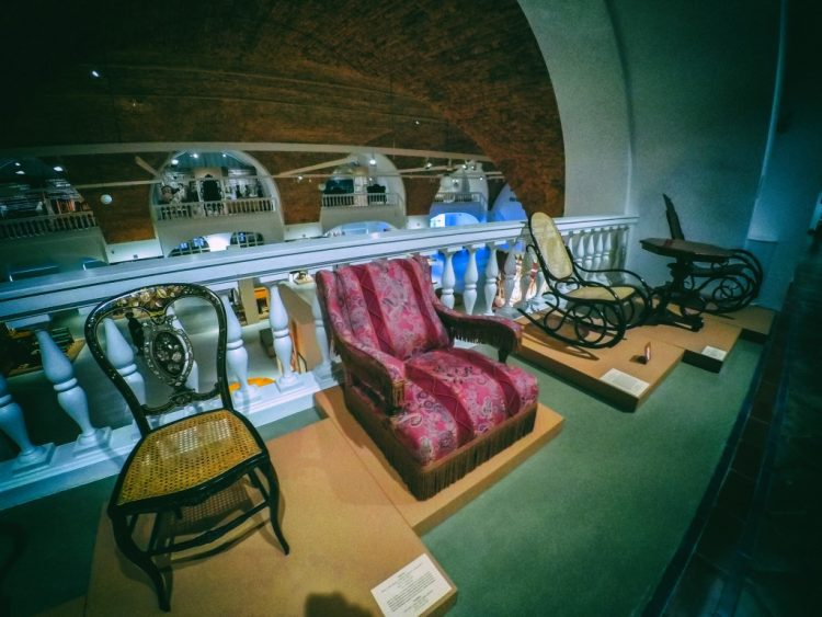 YDXJ8835-Мебель XIX века -  эпоха историзма