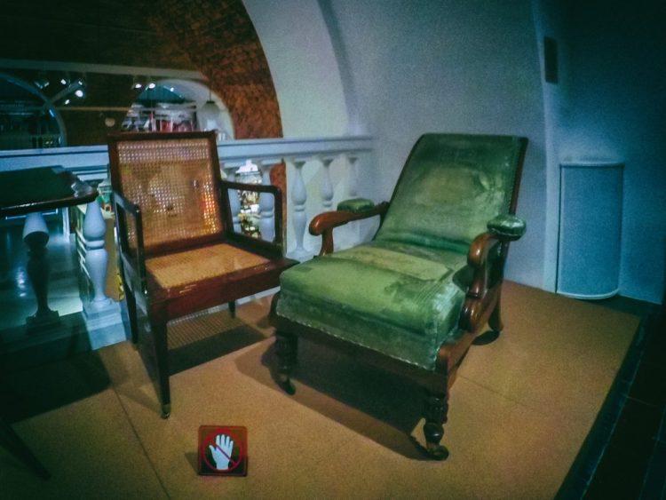 YDXJ8842-Мебель XIX века -  эпоха историзма