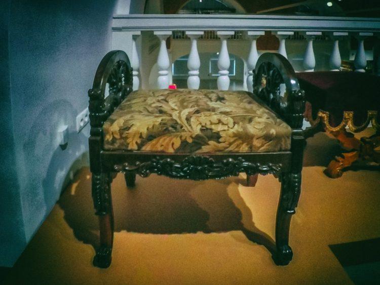 YDXJ8845-Мебель XIX века -  эпоха историзма
