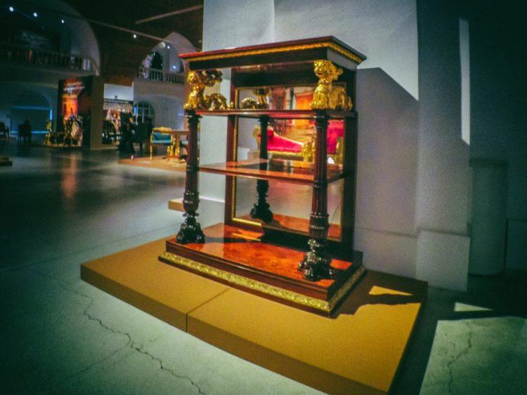 YDXJ8851-Мебель XIX века -  эпоха историзма