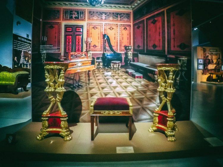 YDXJ8862-Мебель XIX века -  эпоха историзма