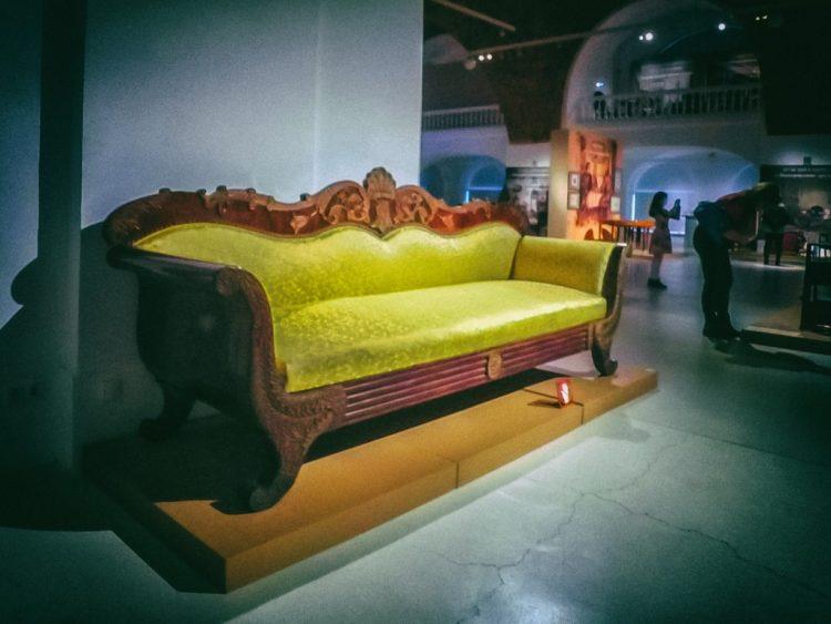 YDXJ8871-Мебель XIX века -  эпоха историзма