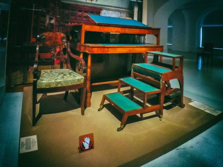 YDXJ8876-Мебель XIX века -  эпоха историзма
