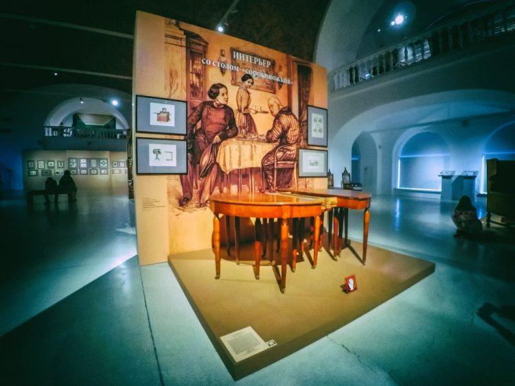 YDXJ8878-Мебель XIX века -  эпоха историзма