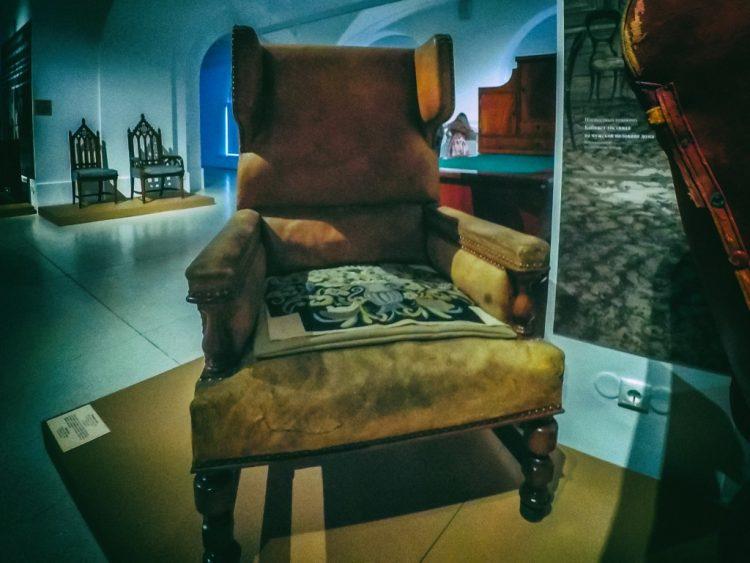 YDXJ8884-Мебель XIX века -  эпоха историзма