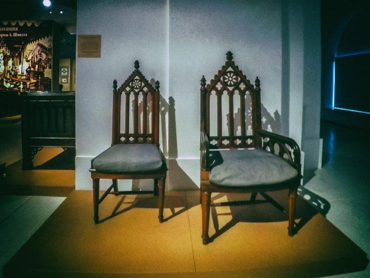 YDXJ8885-Мебель XIX века -  эпоха историзма
