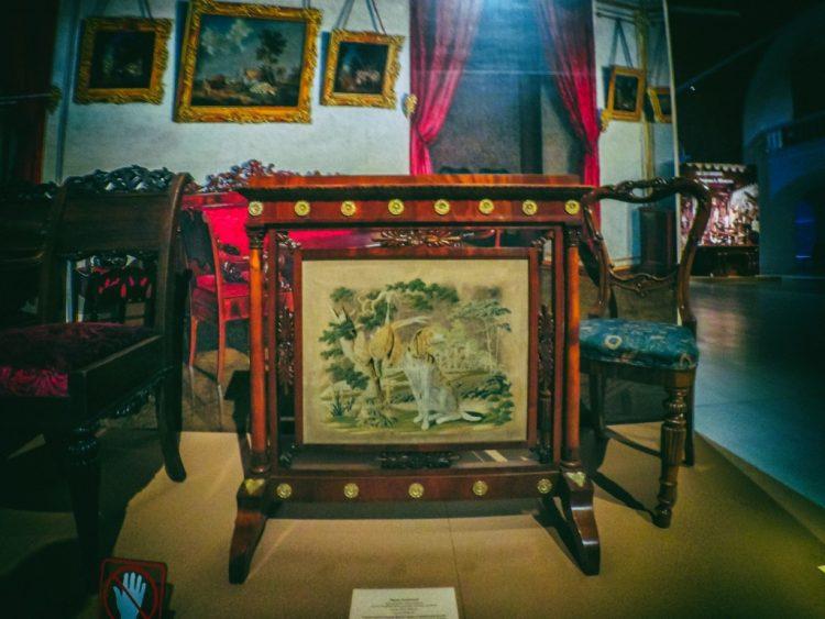 YDXJ8934-Мебель XIX века -  эпоха историзма