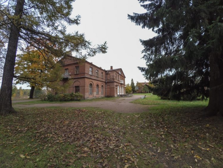 Усадьба Приютино - господский дом