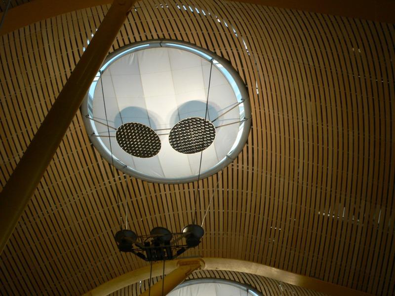 Ячеистный деревянный потолок